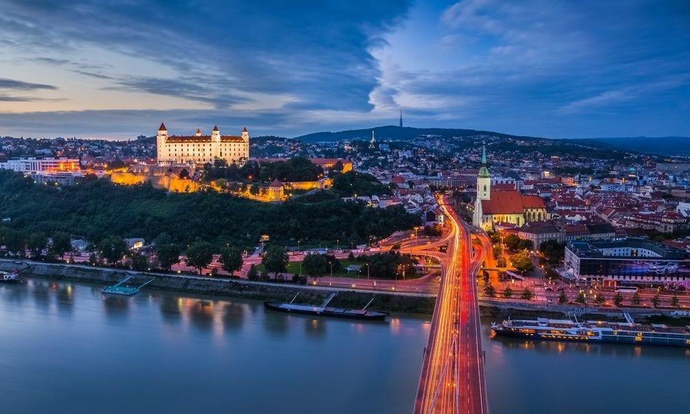 Оренда автобуса в Братиславу